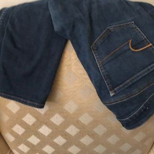 Barely worn navy blue American eagle jagging
